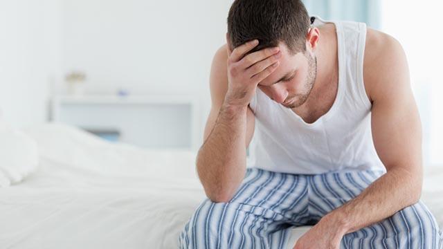 prostata, un uomo pensieroso