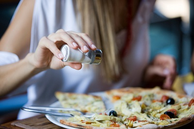 Dieta mediterranea: italiani convinti di farla, ma è nel modo sbagliato
