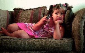 Oms, bimbi fino a 2 anni devono fare giochi attivi, mai davanti agli schermi