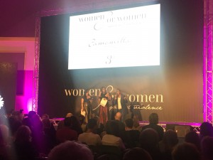 Tumore al seno e femminicidio. Women for women, premio contro i killer delle donne