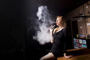 Polmonite chimica e sigarette elettroniche, i rischi delle sostanze fai da te