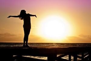 Depressione e bella stagione, una donna al mane