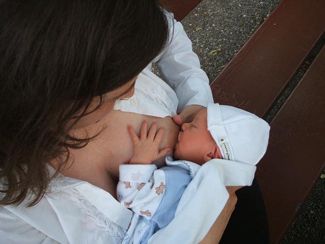 bambini allattati