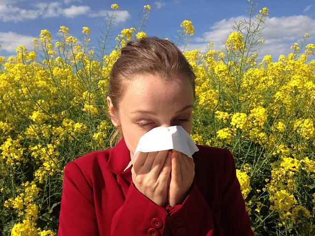 Allergia di stagione e sintomi del Covid-19, quali devono preoccupare?