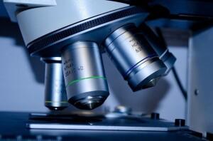 Un microscopio per individuare cellule spia