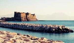 Napoli vivere vicino al blu del mare