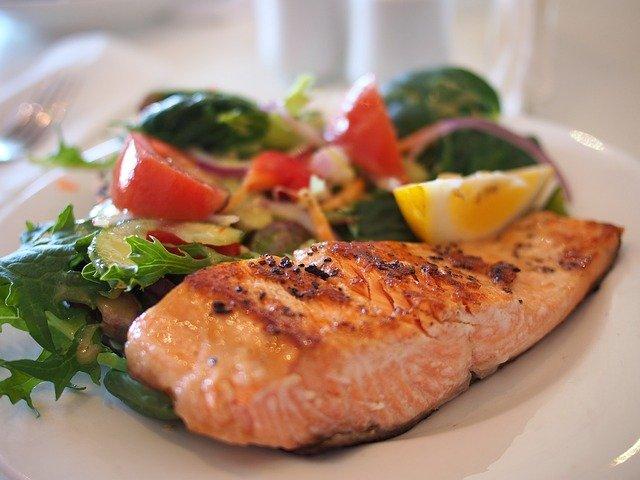 Covid, i benefici di pesce e verdure